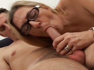 Mature blonde with youthful boy. She love suck