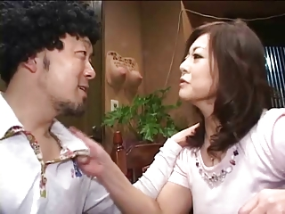Pretty Japanese mature's cunt fucked juicepied