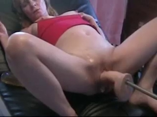 Mature Cumming And Orgasm On Fucking Machine