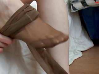 Hot nylon feet