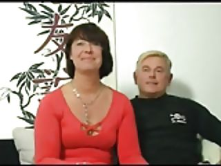 HOT MOM 155 brown-haired german mature milf in threesome