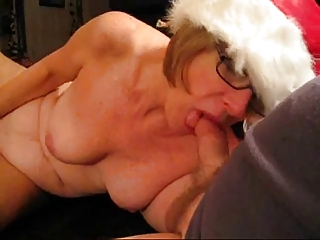 Neighbor's wife gives me Xmas oral job.