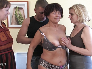 3 cockhungry mature mothers got served by youthful boy