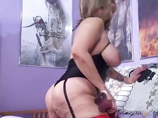 Latin whore Sandie Marquez play with pussy