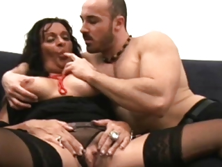 Italian chunky mature wants a youthful cock