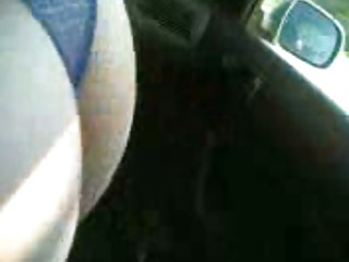 Italian wife gives a oral job in car to her secret lover