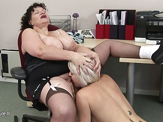 Busty mature coach teaching youthful babe a lesson