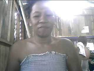 32 YEAR OLD FILIPINA MOM CHERRY CORSEN SHOWING HER NICE TITS