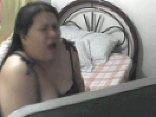 FAT FILIPINA MOM ROWENA SOTITO PLAYING WITH HER TIL SHE CUMS