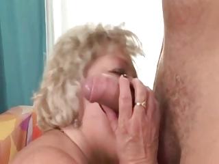 Blond Fat Granny R20