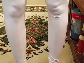 Wife posing in leggings topless vid