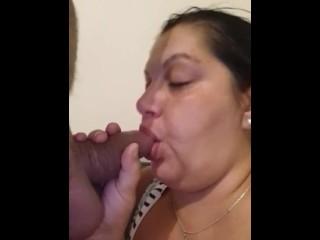 Grosse maman se touche