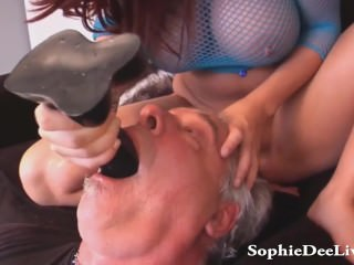 Lick Mistress Sophie FROM SEXDATEMILF.COM Dees Wet Pussy Slave