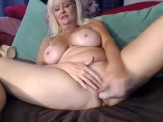 Cougar Is toying With Herself