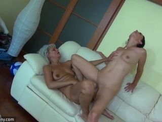 Grandma likes beamy lmore thang dildo more than hammer away siamoise