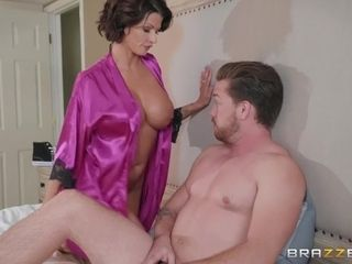 Housewife Joslyn banged by husband's BFF in the morning