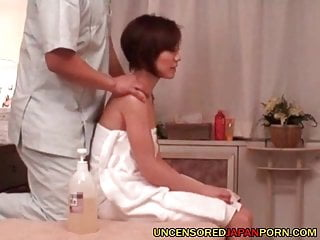 Uncensored asian pornography rubdown apartment fucky-fucky with warm cougar