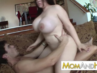 Cougar mummy Daphne Rosen has monstrous breasts