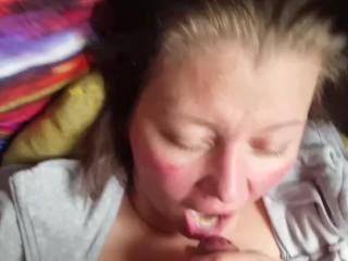 Aneta hat Sperma geschluckt