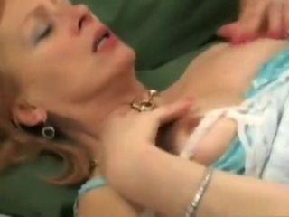 60-jarige vrouw krijgt mond vol zaad