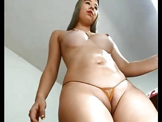X-rated CURVY chick