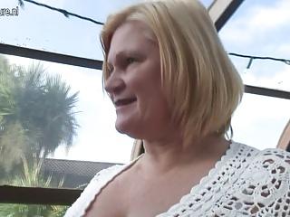 Blond daughter fucks big lesbian granny
