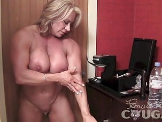 Mature nymph Bodybuilder Poses and drains