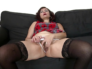 Mature whore mom fucked hard by two young boys