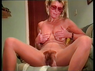 Solo nice mature women