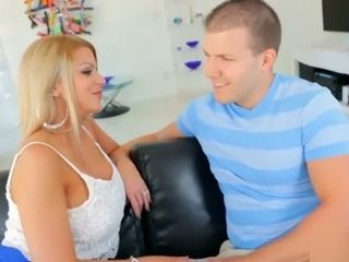 Gold digger step-mom gets facefucked by sonny for hotwife on parent