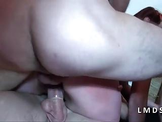 Petite cochonne prise en double dans La Maison du Sexe