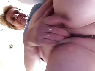 laura mature dripping pussy