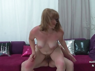 Chubby amateur french mom sucks and fucks