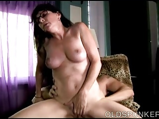 Super sexy old spunker wants you to cum in her mouth