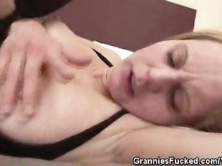 Hairy Pussy Granny Creampied