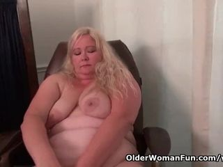 Yankee plus-size cougar jerks luvs dildoing at the office
