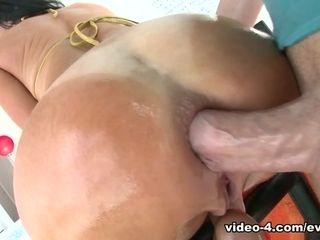 Veronica Avluv & Mike Adriano in splattering MILF's wide open anal invasion casting - EvilAngel