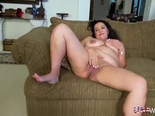 USAwives huge-chested round Mature Solo onanism