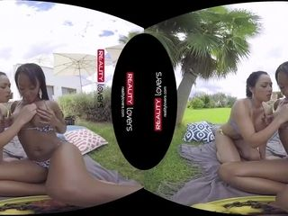 RealityLovers VR - Latina & black lesbos