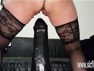 Immense dildo bonking amateurish MILF Sarah