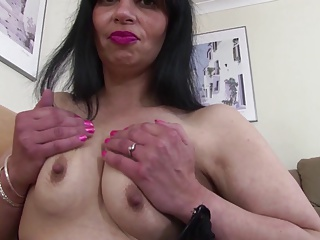 Hot euro mom with thirsty vagina