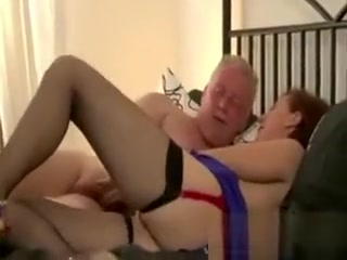 Mature doll in stocking gets a superb pulverizing