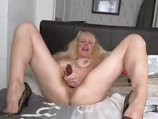 Uk mature converses sloppy pokes her cunt
