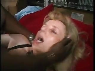 French Mature pummels with 2 dark-hued fellows