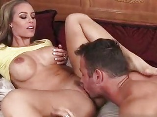 Nicole Anistosn - Housewife