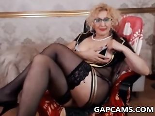 Amateur blonde granny fingering