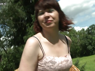 Real amateur mature aunty outdoor