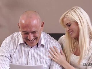 DADDY4K. Housewife fellow commences undirected copulation with...