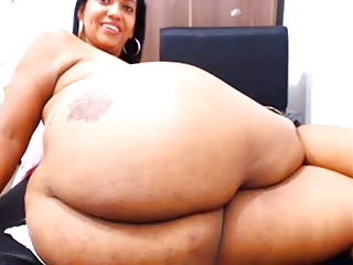 Showing Off Her Ass On Webcam