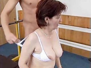 mature gym fuck(amateur)